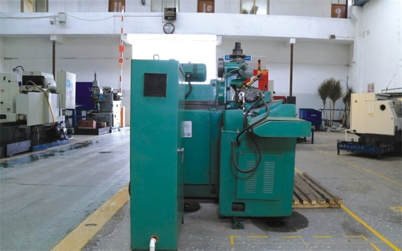 YB6212YC universal spline shaft milling machine